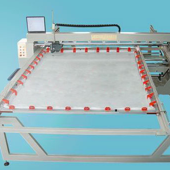 This computerized quilting machine is Suitable for quilting patterns on duvet, mattress pad, bedcover, garments, etc. Can also quilt on sponge and leather. 