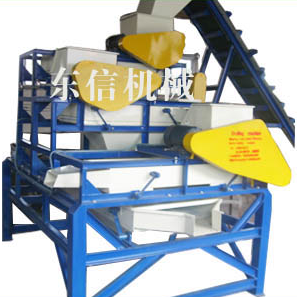 Apricotmut and hazelmut shelling machine