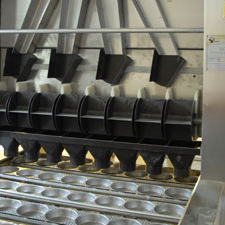 Fall-box shaping machine for instant noodle production line
