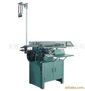 Automatic cutting and stripping machine