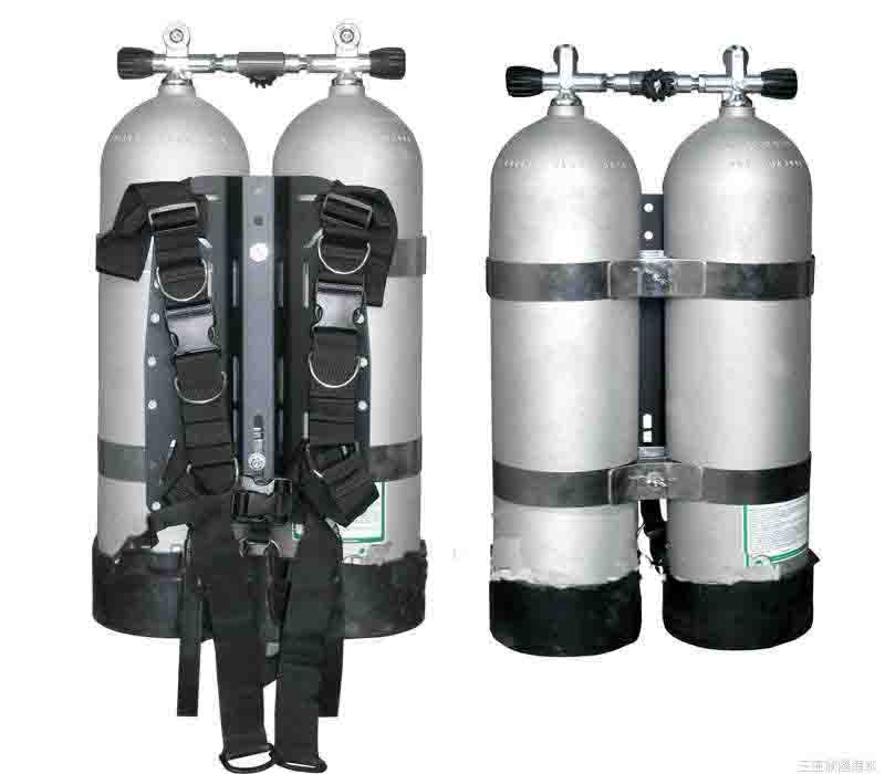 SCUBA (self-contained underwater breathing apparatus) cylinder and diving cylinder