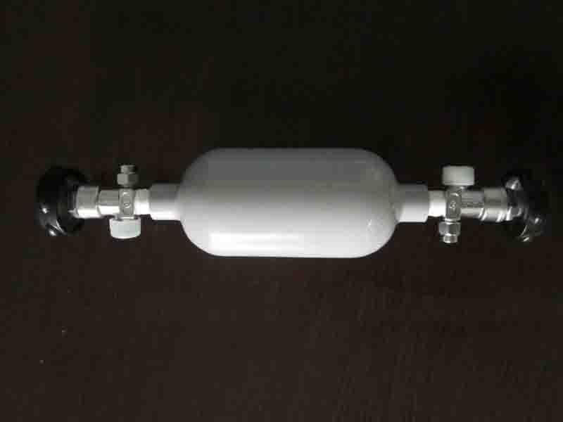 Sampling two-port aluminum gas cylinder