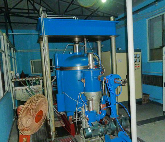 200T vacuum sintering furnace (4 column)