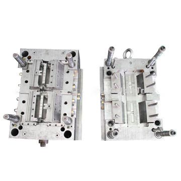 Plastic injection tooling maker