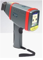 Hand held x-ray fluorescence spectrometer