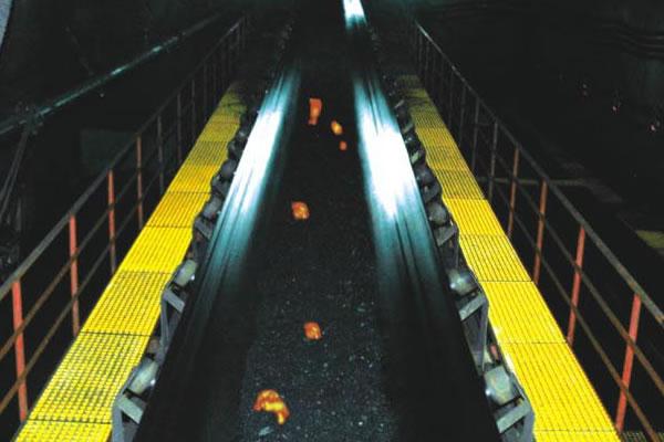 Огнестойкая конвейерная лента с жилой стального троса для угольных копей