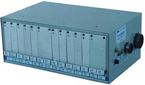 LK9000/LS8000型机车微机控制装置
