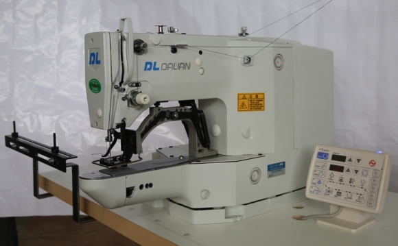HIGH-SPEED COMPUTER CONTROLLED BARTACKING MACHINE