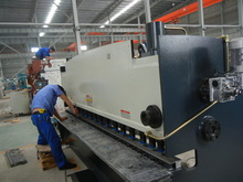 QC11Y-8X4 heavy duty easy operation cnc plate shearing machine