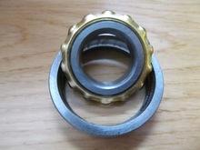 magneto bearing E9