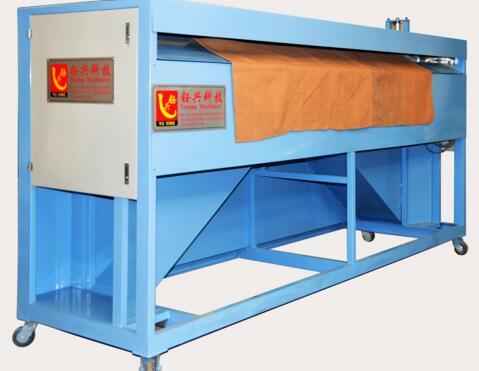 Automatic cutting machine for shuttle quilting machine
