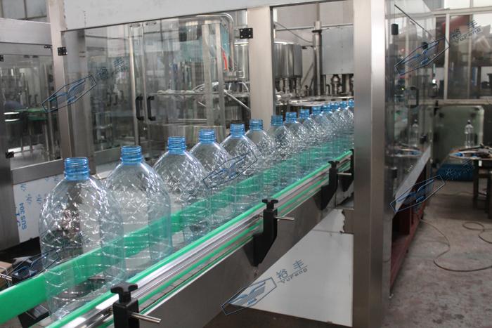 大瓶水三合一灌装机(2-8L)