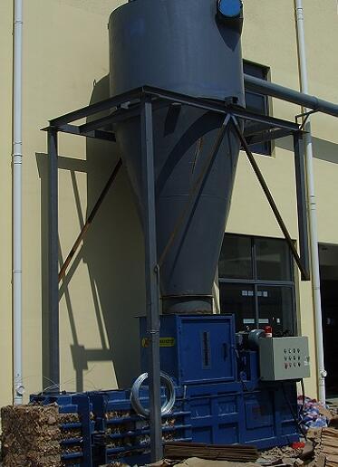 纸箱厂用小型吸风半自动打包机