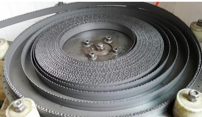 High-efficiency M42 metal cutting band saw blade
