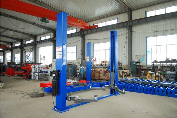 Floor plate hydraulic two post car lift