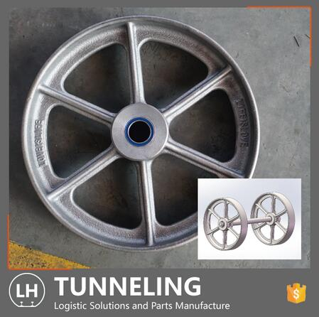 OEM Customized Sand Casting Iron Wagon Wheel with Machining