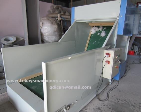 Bale opening machine breaking machine