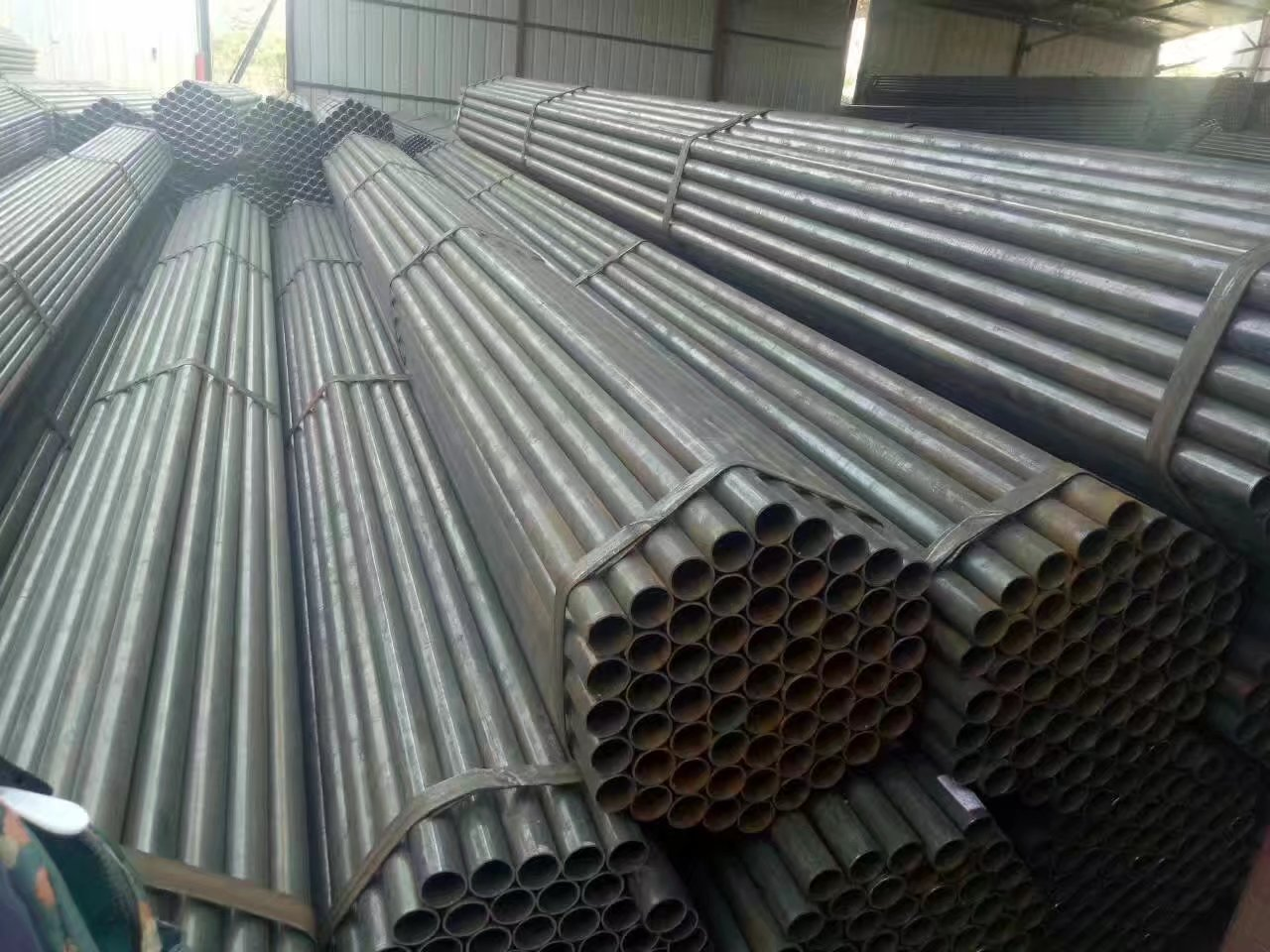 ERW Carbon Steel Pipes Welded Pipes for Construction Structural