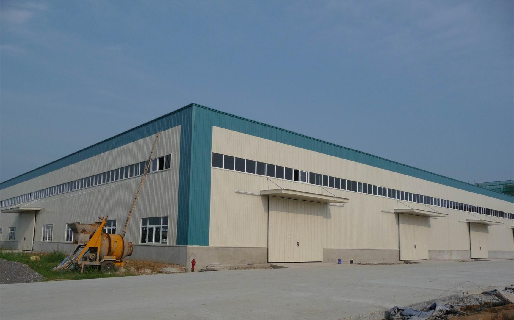 Light prefabricated steel frame building for factory workshop shed